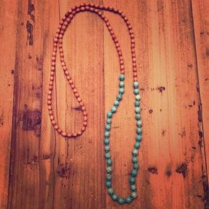 Jewelry - Wood/turquoise bead necklace